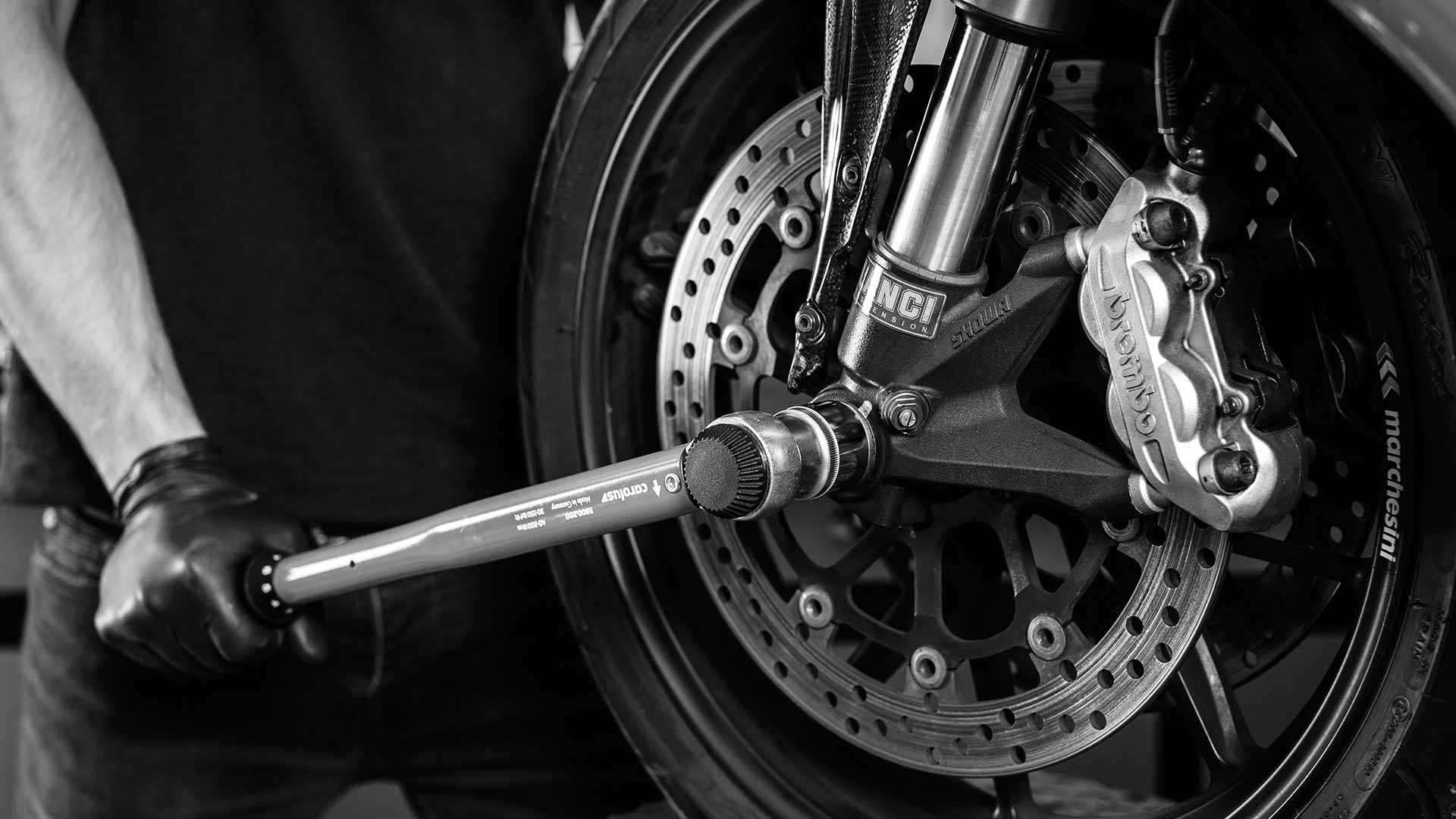 Motorrad Bremsen erneuern lassen Solingen